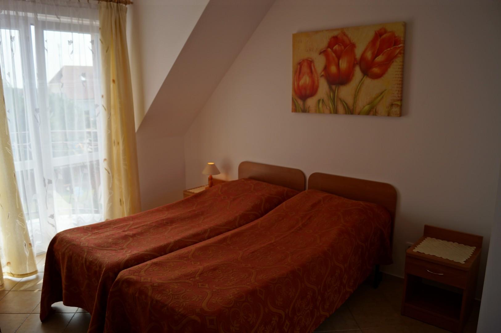 łóżka w pokojach 6,7,8